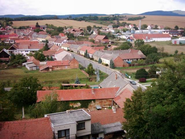 Pojled z výšky na obec Skalka